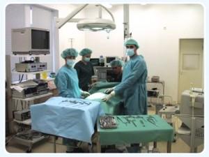 gynekolog doktor Andrei Sõritsa innan du startar operation i Elite privat fertilitetsbehandling Clinic