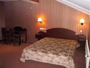 Ett annat hotellrum i ELITE Clinic