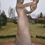 Mati Karmini loodud skulptuur Elite Kliiniku aias